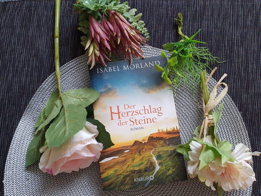 [Rezension] Der Herzschlag der Steine von Isabel Morland